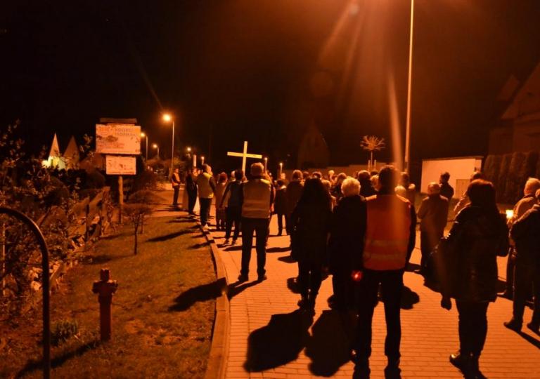 Droga Krzyżowa ze św. Ritą ulicami Głębinowa